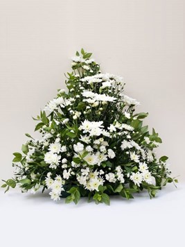 Funeral : Flat Back Spray Arrangement Option 3 - AV
