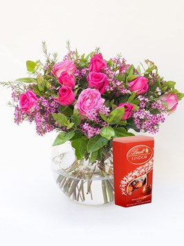 Arrangements: Classic Rose Bowl with Lindt Lindor