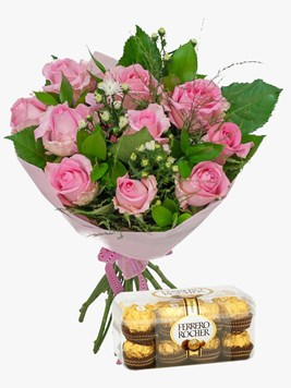 Bouquets: Pink Rose Bouquet with Ferrero Rocher